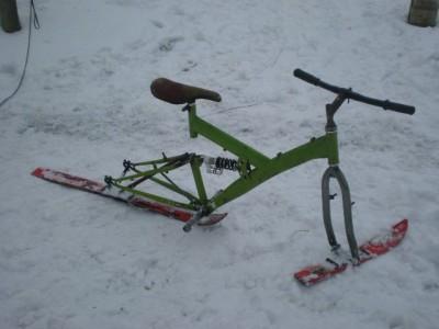 A bikemag apron talaltam. Gondolom nem kicsiket lehet vele esni. 79b3d854fe